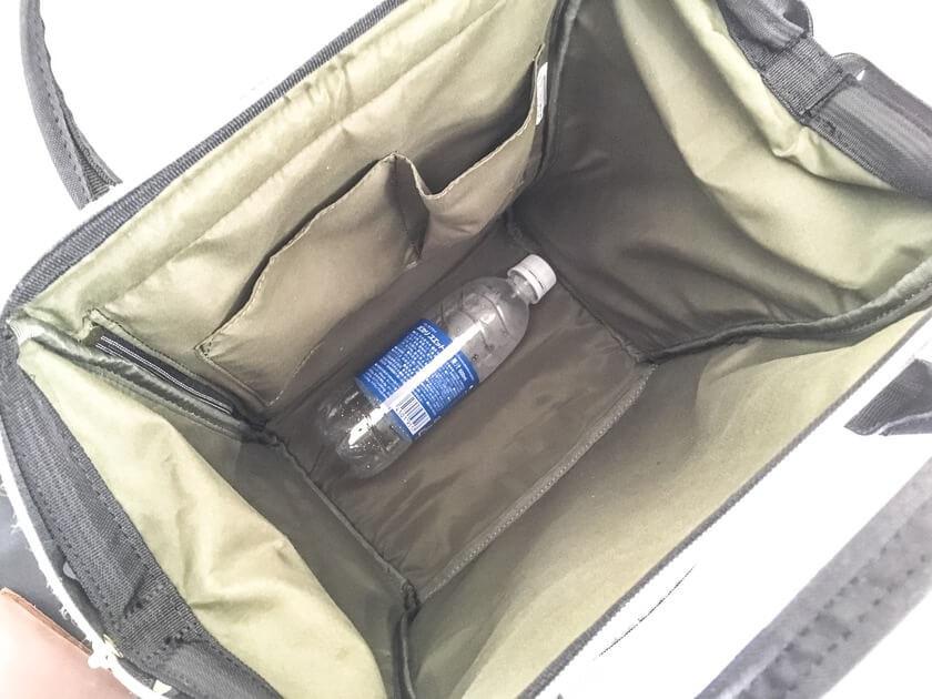 バッグのメイン部分はかなり広々。マチも大きく荷物がいっぱい入る