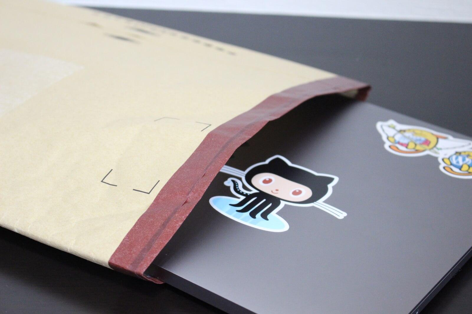 Amazonの梱包袋で作る、お手軽PCケースがシンプルイズベスト