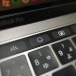 【Mac】Touch IDボタンでスリープのショートカットキーが効かない!Touch Barから簡単にスリープする方法
