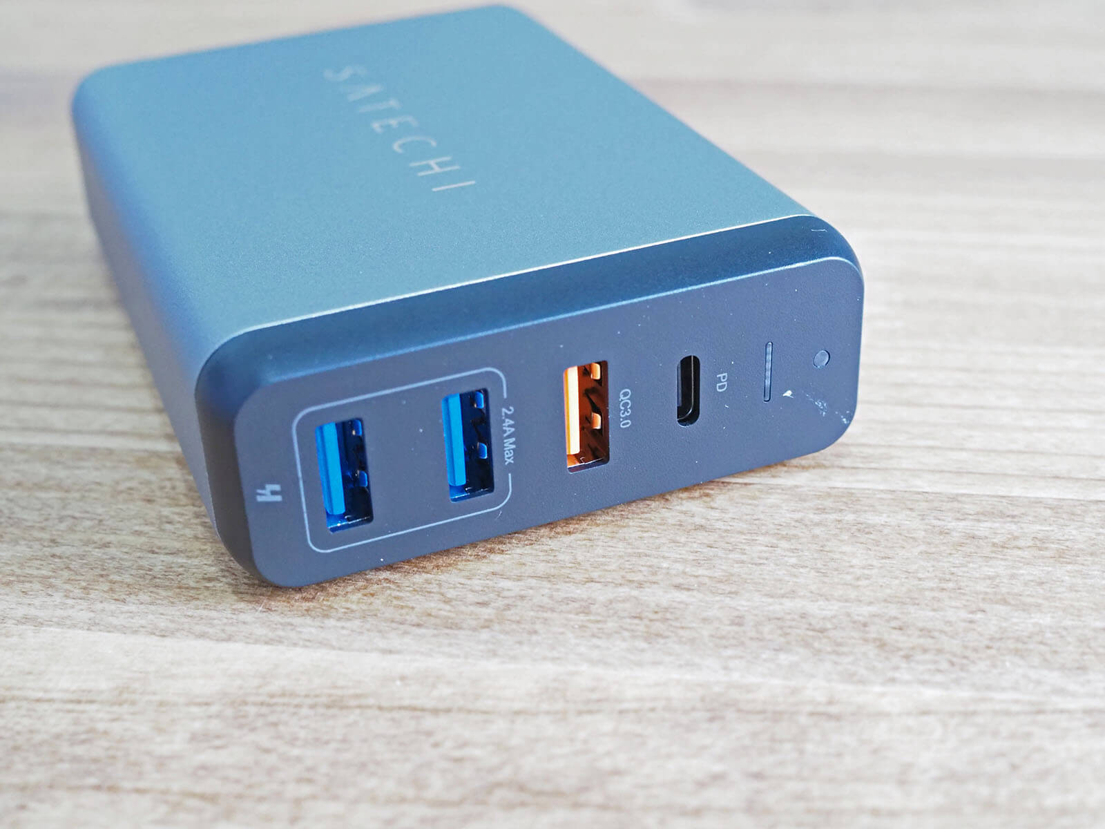 USB PD対応でMacBook Proもモリモリ充電!USB-CとUSB-A機器をまとめて充電できるSatechiのトラベルチャージャーが最高の相棒
