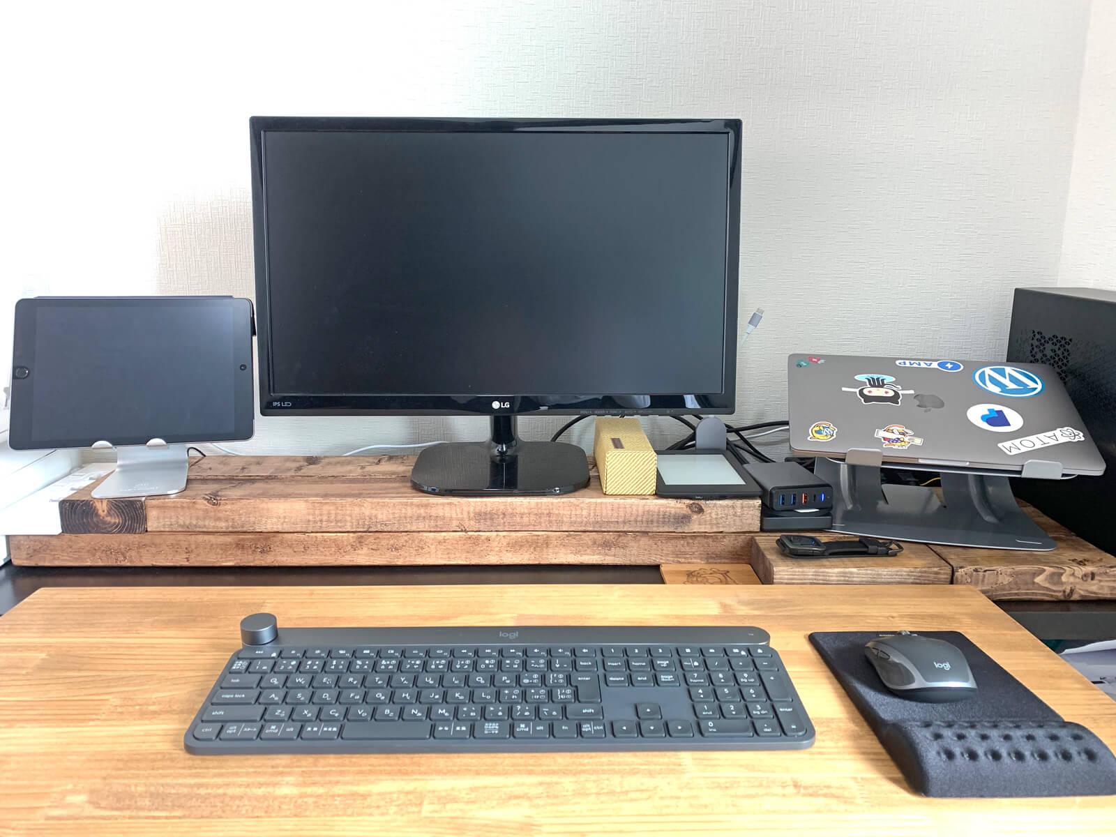 置くだけ簡単DIY!2x4材を「置いて作る」モニター台が思ったより満足感ある