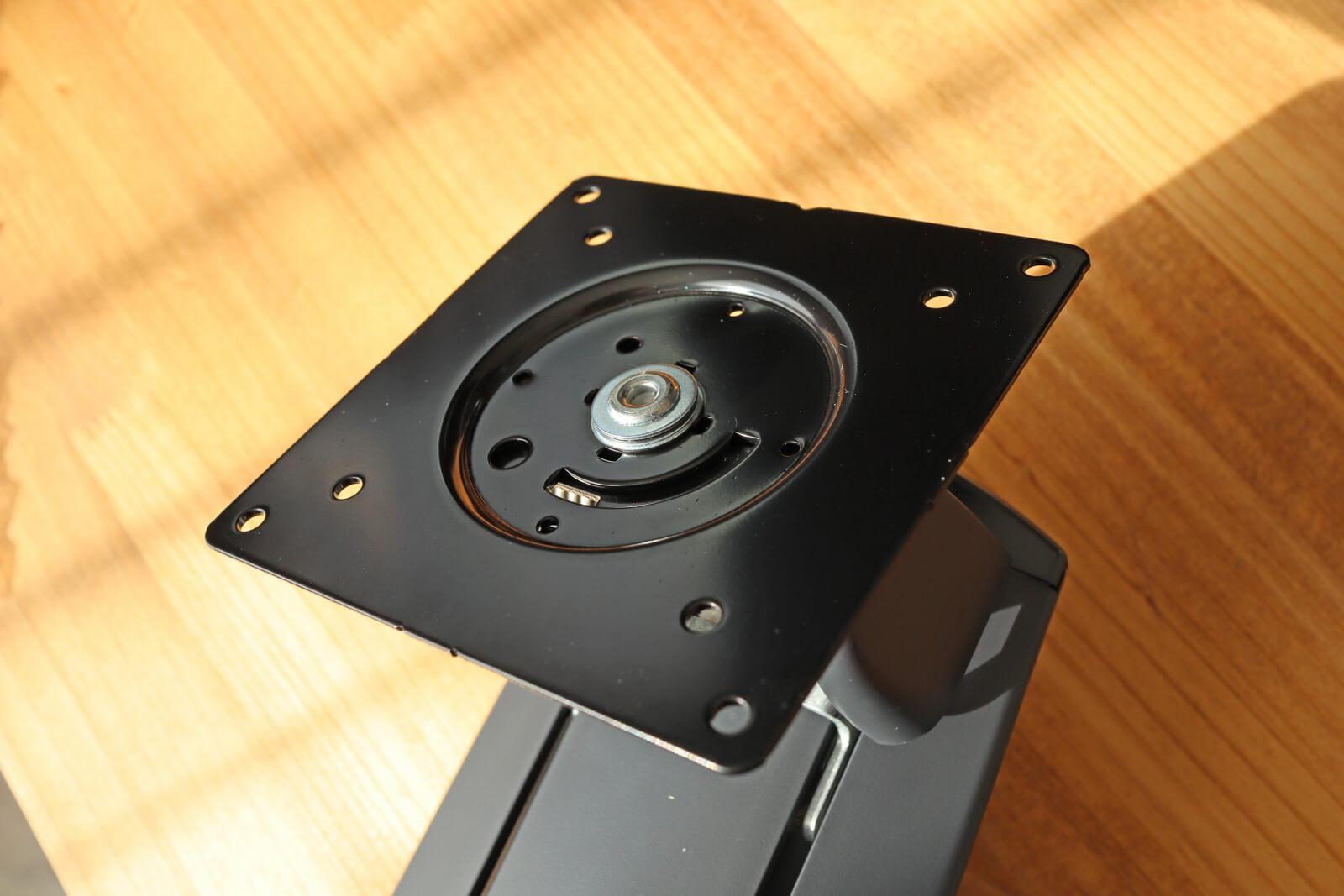 VESA規格は75mmと100mmに対応
