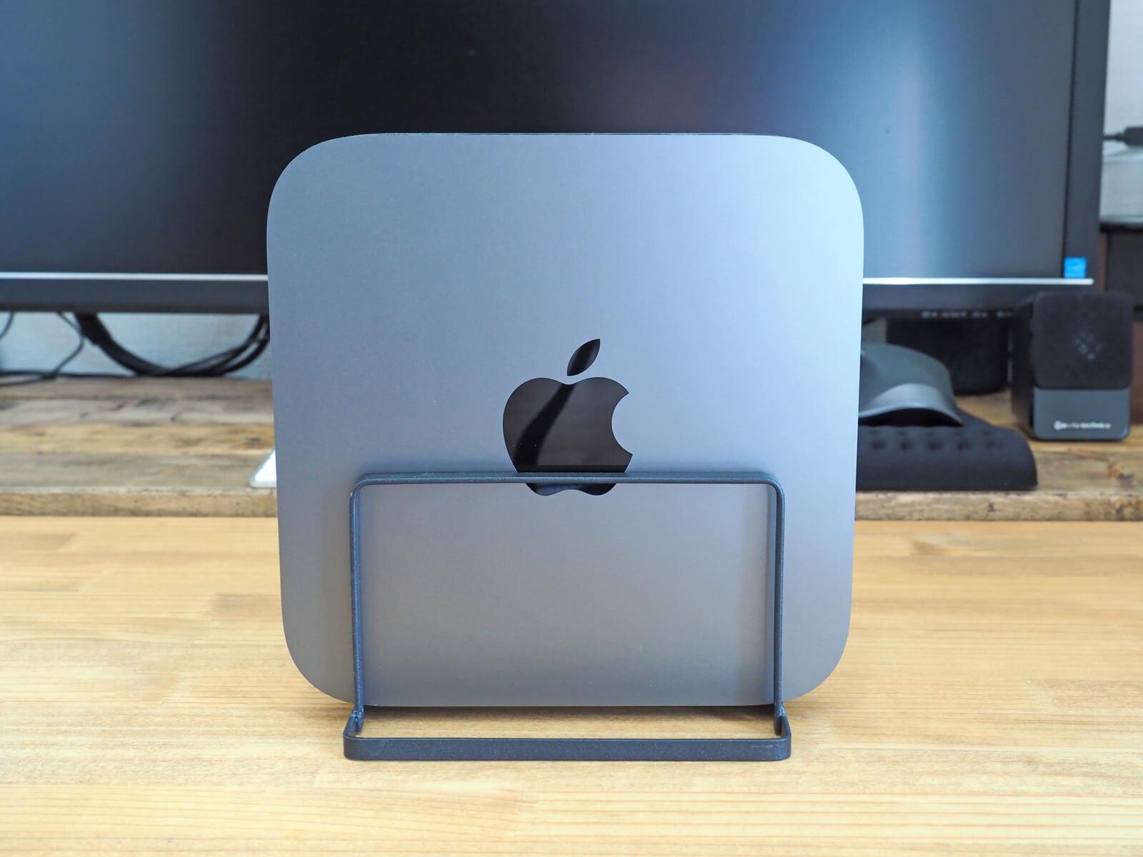 Seriaのまな板スタンドにMac miniを置いてみた