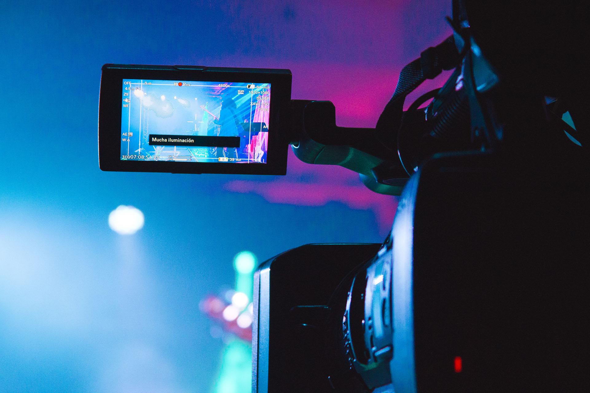 【WordPress】ヘッダーメディアの動画(video)がiPhoneで自動再生されないときの対処法