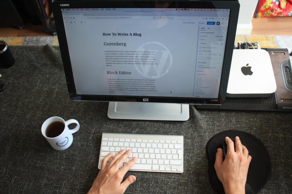 WordPressの「投稿」と「固定ページ」の違いと使い方